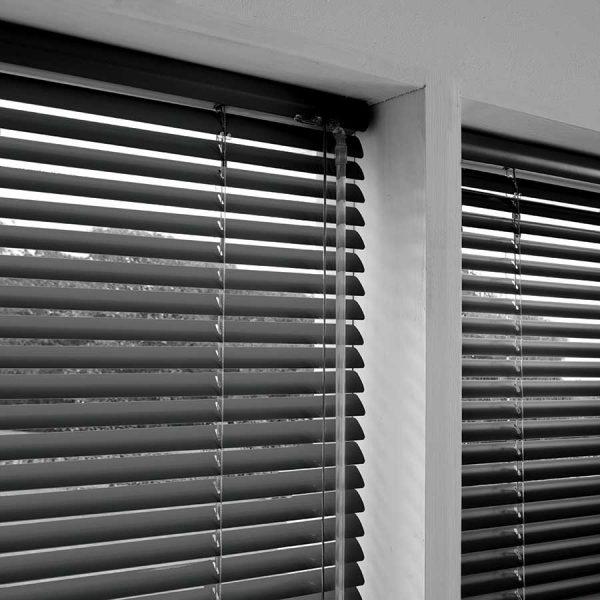 Madiba-Jet-Aluminium-Venetian-Blind
